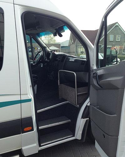 ruime instap in onze taxibussen