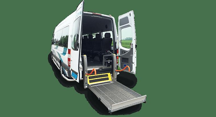 rolstoelvervoer op weg met een rolstoel huur vervoer